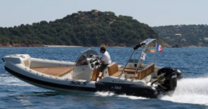 Louer Semi-rigide avec ou sans skipper Sacs à La Ciotat