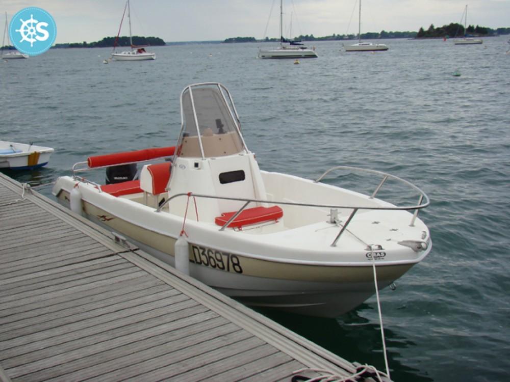 Louer Bateau à moteur avec ou sans skipper Pro Marine à La Trinité-sur-Mer