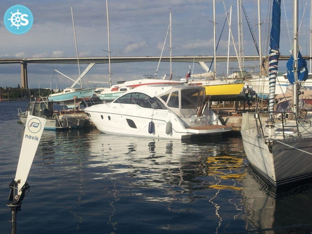 Louer Bateau à moteur avec ou sans skipper Bénéteau à Sausset-les-Pins