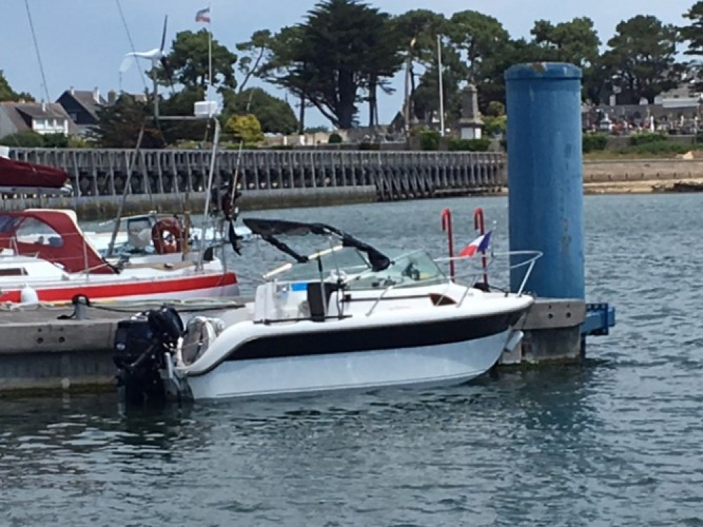 Barca a motore a noleggio Lorient al miglior prezzo