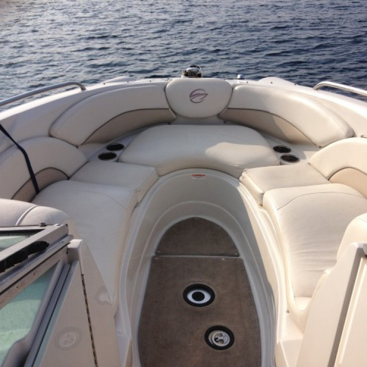 Hire Motor boat with or without skipper Crownline Port Fréjus 2
