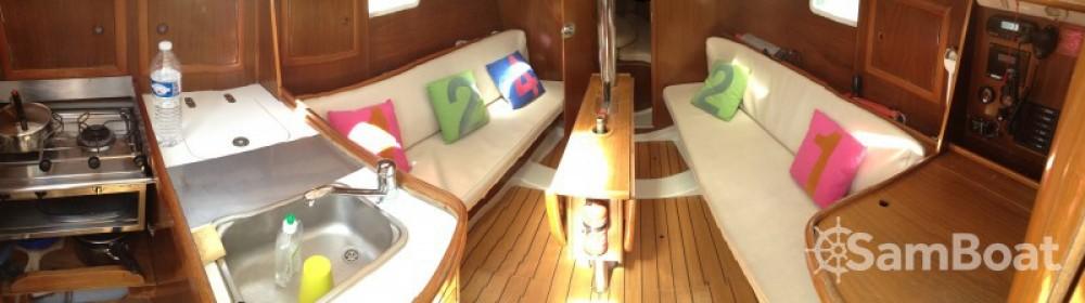 Alquiler de barcos Lorient barato de Oceanis 311 DL