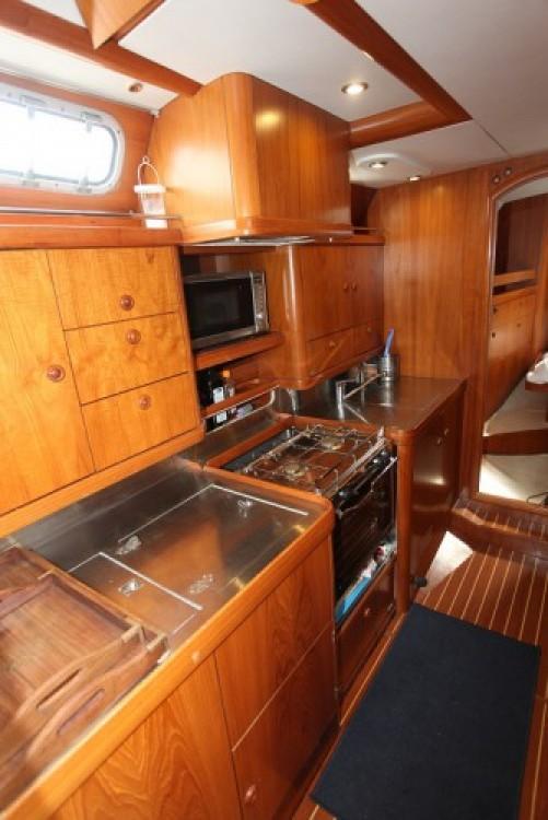 Location bateau Hyères pas cher Sun Odyssey 47 Cc