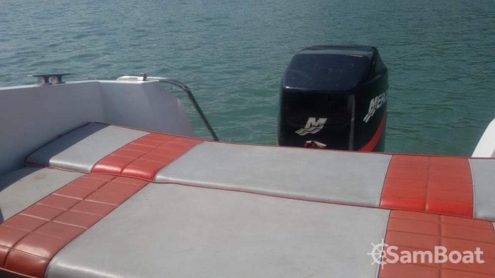Noleggio Barca a motore con o senza skipper Jeanneau Virignin