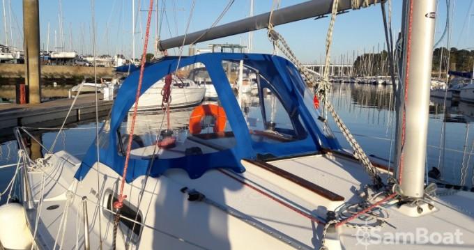 Location bateau Jeanneau Sun 2500 à La Trinité-sur-Mer sur Samboat
