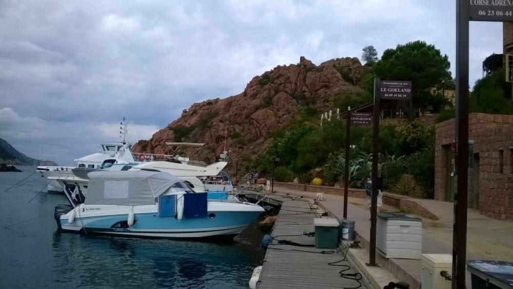 Bateau à moteur à louer à Bastia au meilleur prix