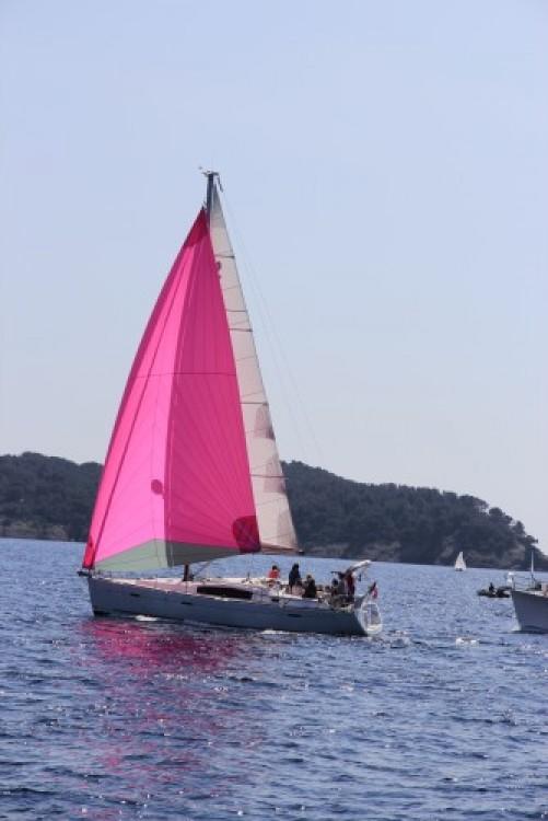 Huur een Bénéteau Oceanis 40 in La Ciotat