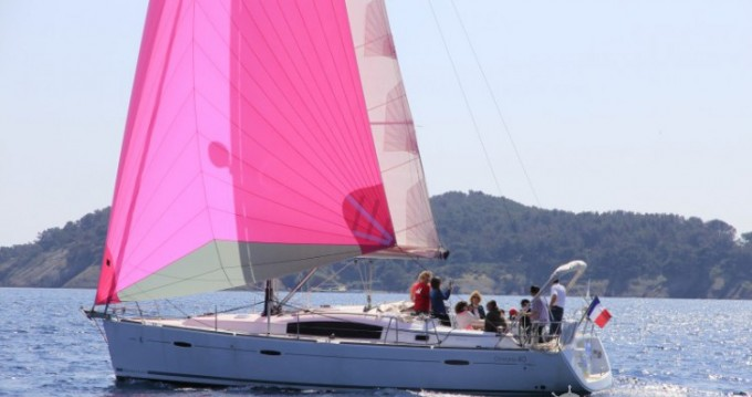 Bénéteau Oceanis 40 entre particuliers et professionnel à La Ciotat