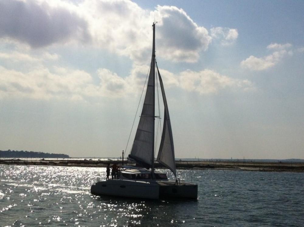 Location bateau Fountaine Pajot Mahe 36 à Arcachon sur Samboat