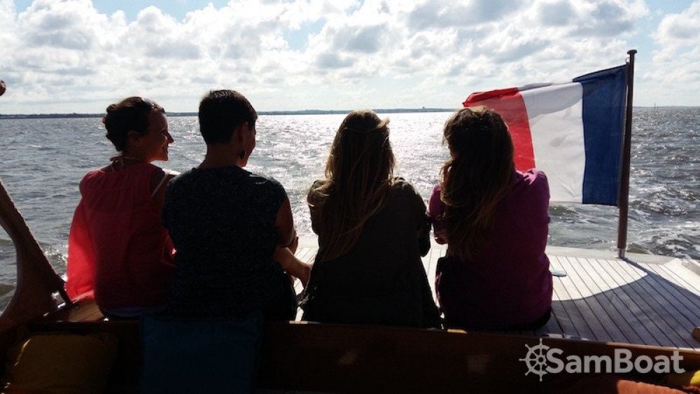 Noleggio Barca a motore con o senza skipper Raba Arcachon