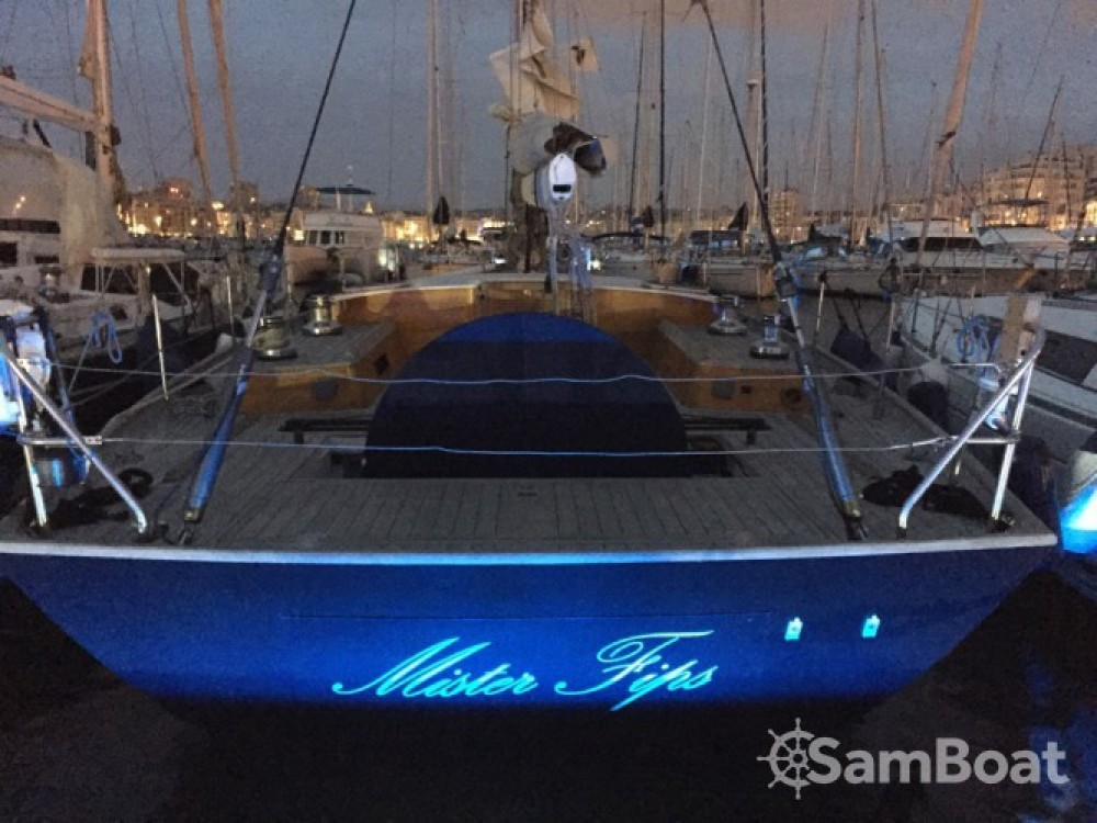 Boat rental H2O Yachts Mister Fip's in Marseille on Samboat