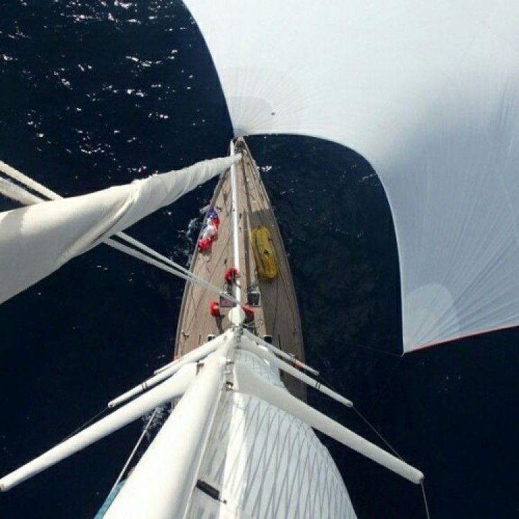 Rental Sailboat H2O Yachts with a permit