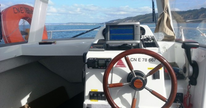 Hire Motor boat with or without skipper Jeanneau Dives-sur-Mer