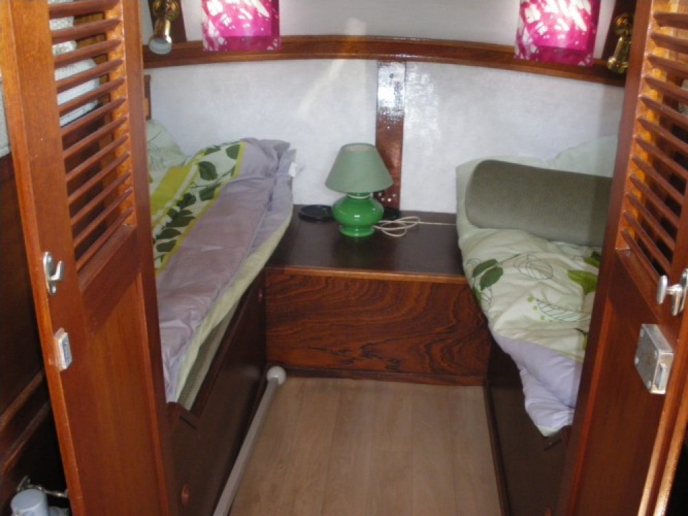 Rental yacht Redon - Bravo A279 on SamBoat