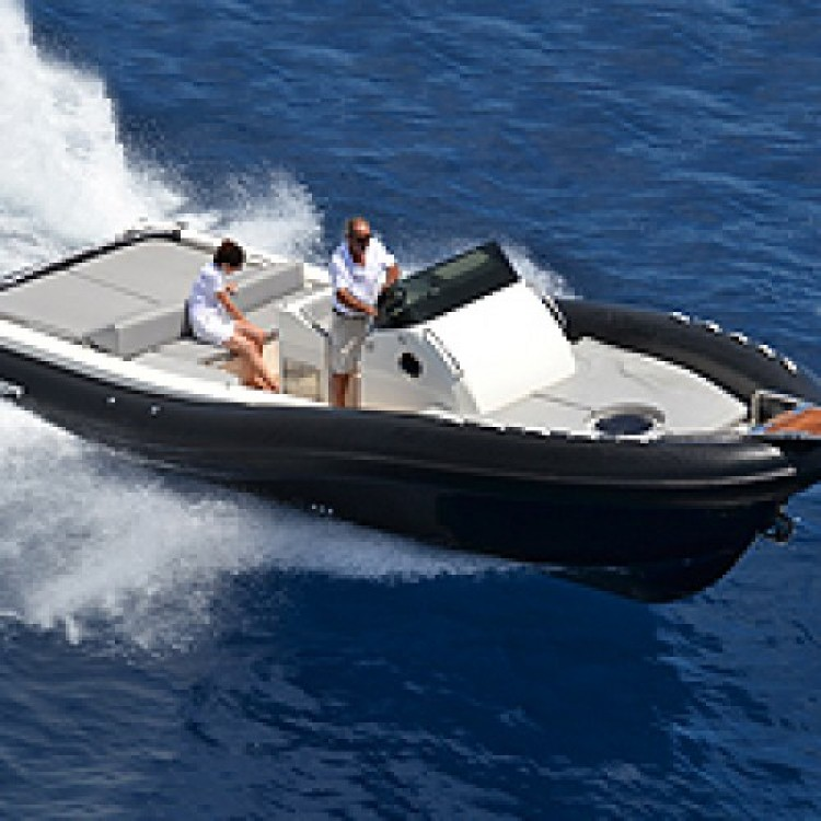 Location bateau Saint-Tropez pas cher Scanner One 888
