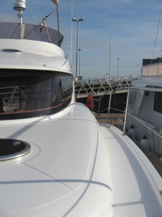 Rent a Fountaine Pajot Summerland 40 La Trinité-sur-Mer
