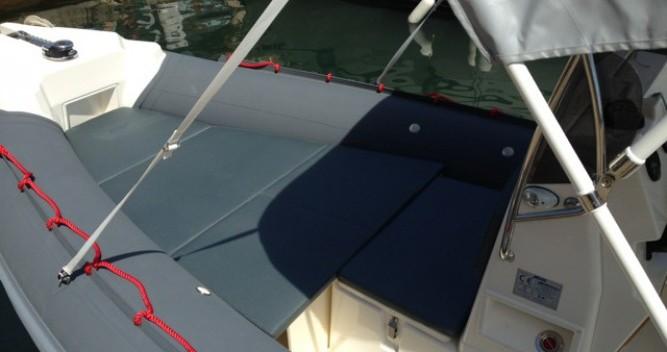 Location bateau Hyères pas cher Coaster 650