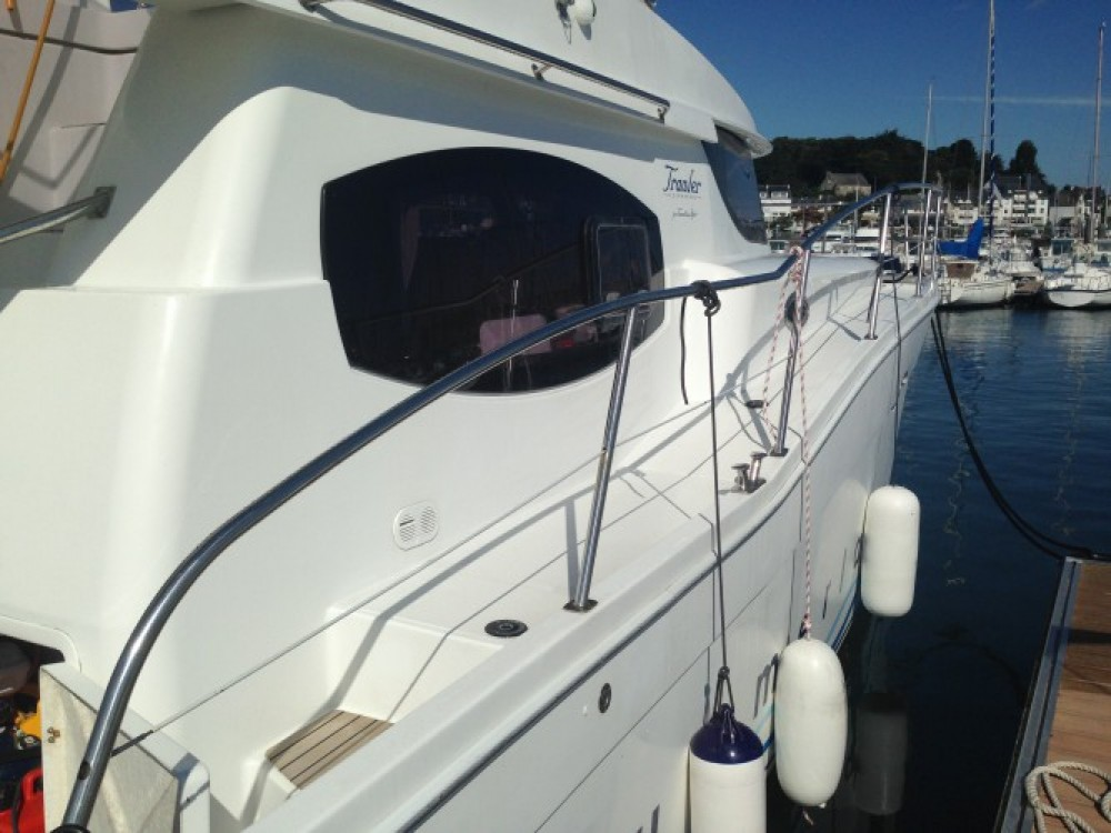 Hire Motor boat with or without skipper Fountaine Pajot La Trinité-sur-Mer