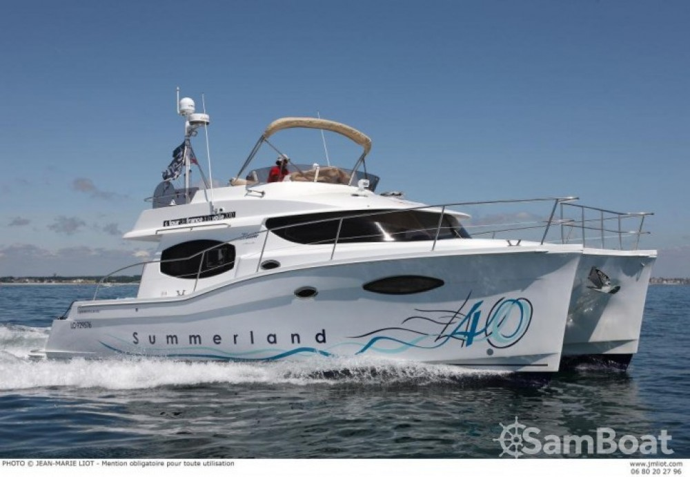 Rental Motor boat in La Trinité-sur-Mer - Fountaine Pajot Summerland 40