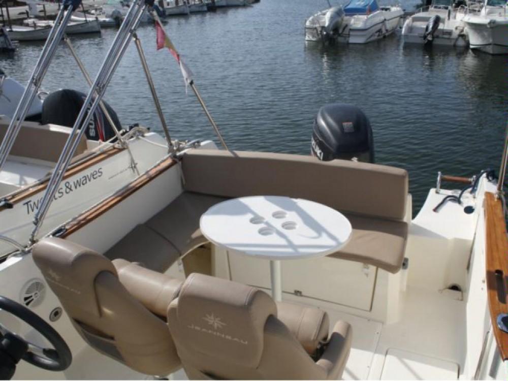 Yacht-Charter in Hyères - Jeanneau Cap Camarat 7.5 WA auf SamBoat