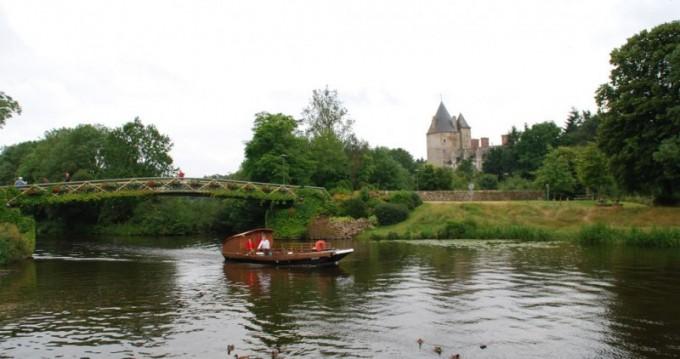 Location bateau Guipry-Messac pas cher Toue
