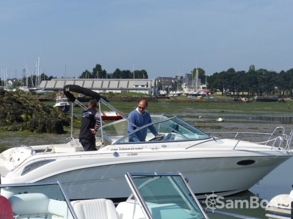 Jachthuur in Larmor-Plage - Sea Ray Sea Ray 235 Weekender via SamBoat