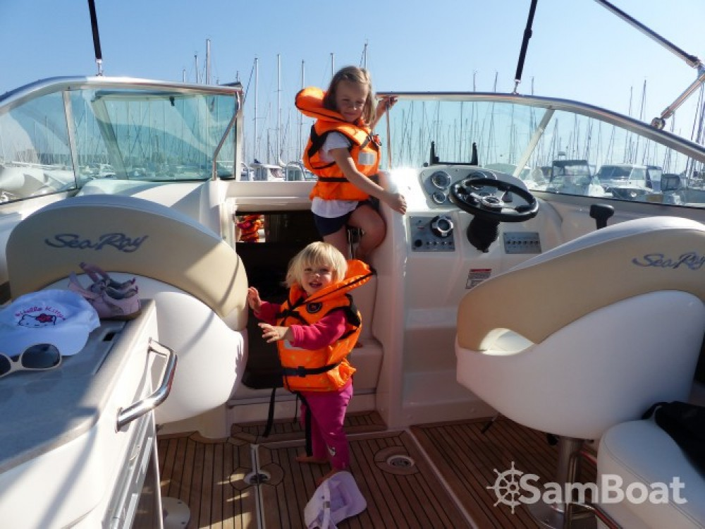 Hire Motor boat with or without skipper Sea Ray Larmor-Plage