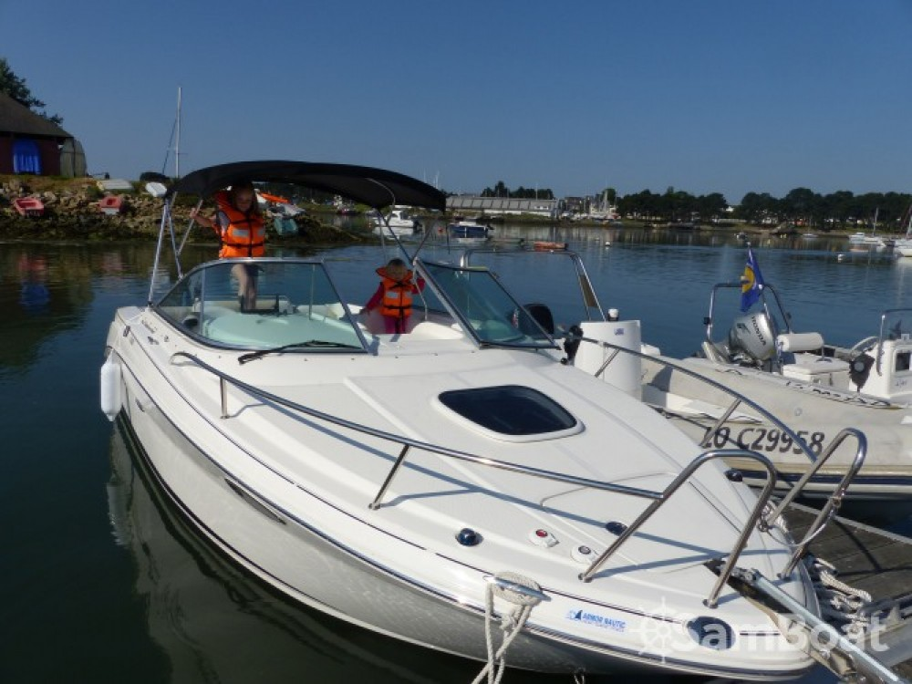 Ein Sea Ray Sea Ray 235 Weekender mieten in Larmor-Plage