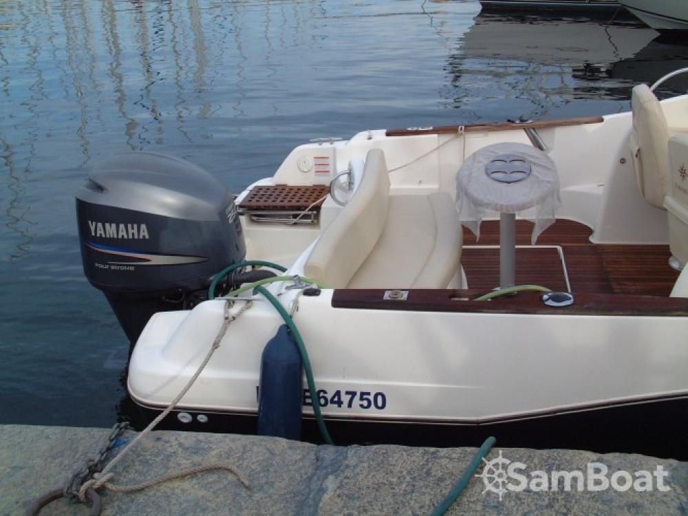 Boat rental Jeanneau Cap Camarat 755 in Marseille on Samboat