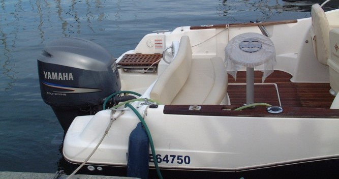 Location yacht à Marseille - Jeanneau Cap Camarat 755 sur SamBoat