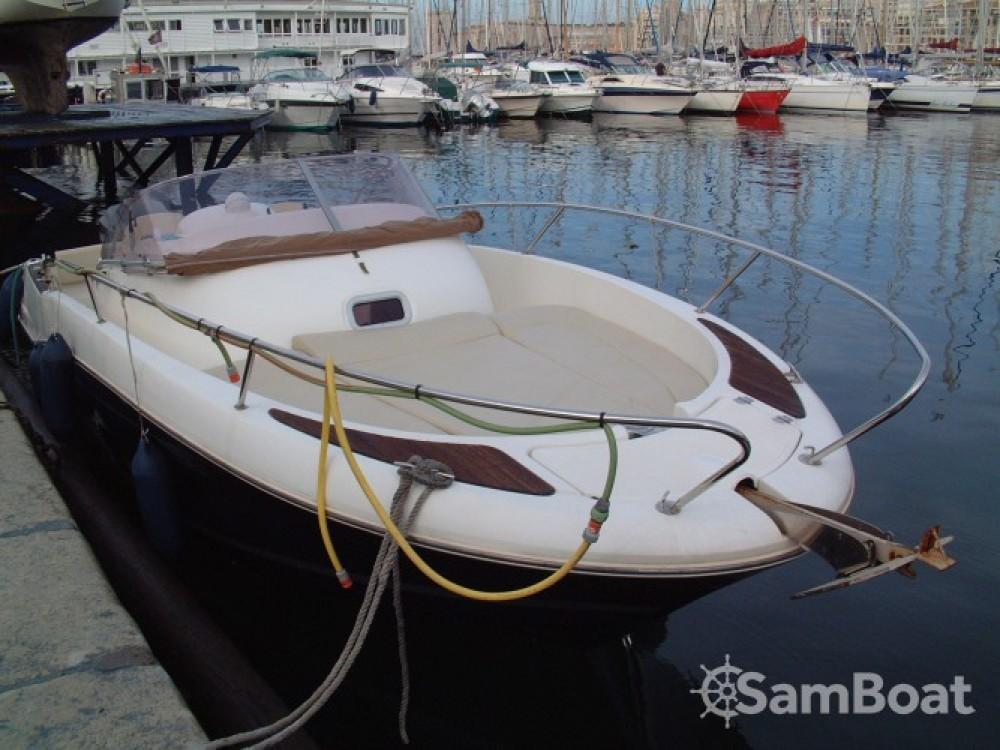 Jeanneau Cap Camarat 755 zwischen Privatpersonen und professionellem Anbieter Marseille