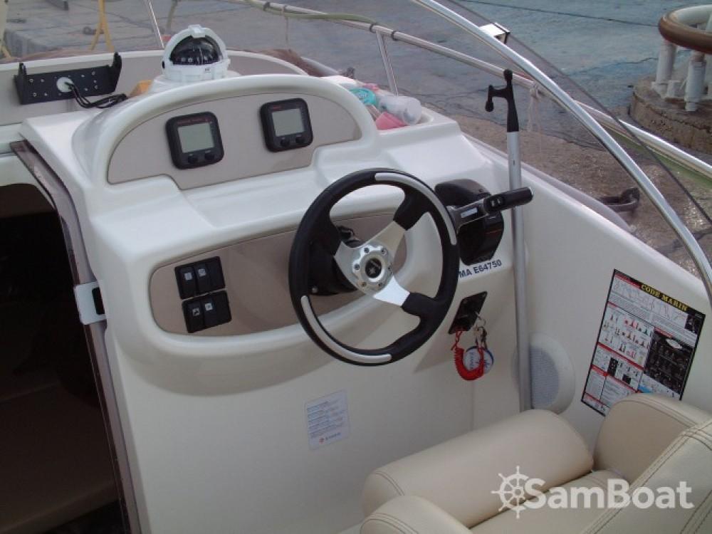 Bootverhuur Jeanneau Cap Camarat 755 in Marseille via SamBoat
