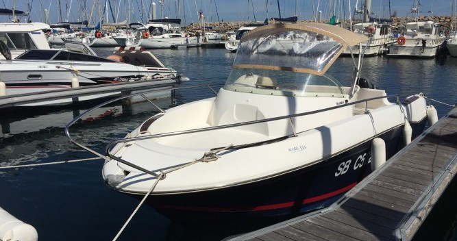 Hire Motor boat with or without skipper Jeanneau Saint-Quay-Portrieux