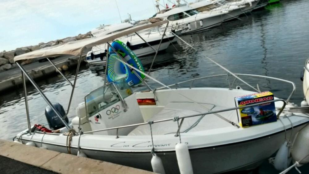 Motorboot mit oder ohne Skipper Jeanneau mieten in Saint-Cyr-sur-Mer