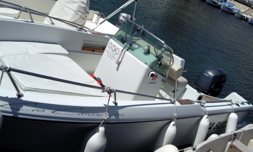 Location bateau Saint-Cyr-sur-Mer pas cher Cap Camarat 575