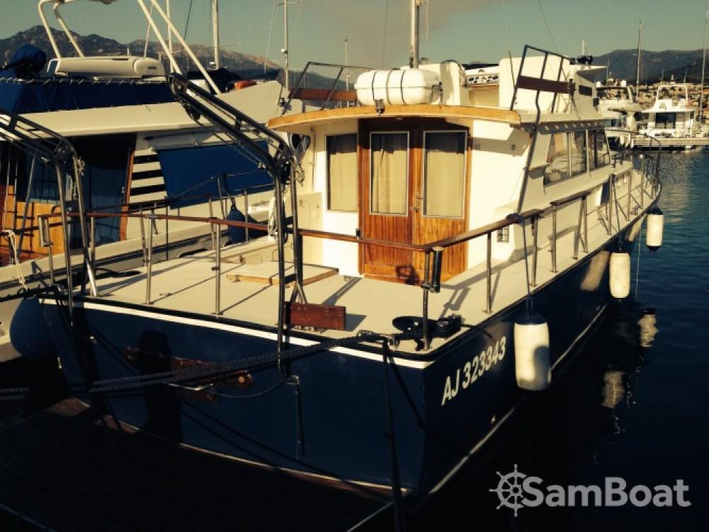 Alquiler Lancha Sev con título de navegación