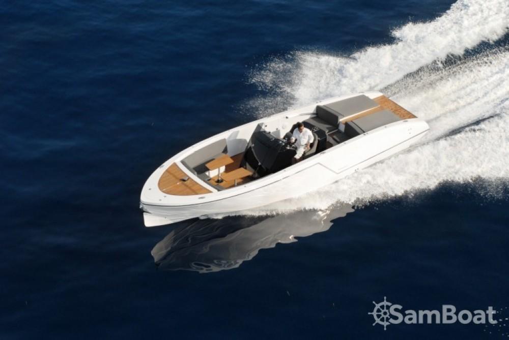 Verhuur Motorboot Frauscher met vaarbewijs