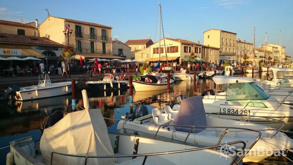 Louer Bateau à moteur avec ou sans skipper Corsiva à Marseillan