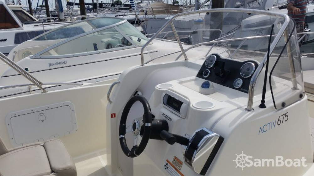 Boat rental Parentis-en-Born cheap Activ 675 Open