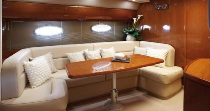 Location bateau Sainte-Maxime pas cher Princess V42