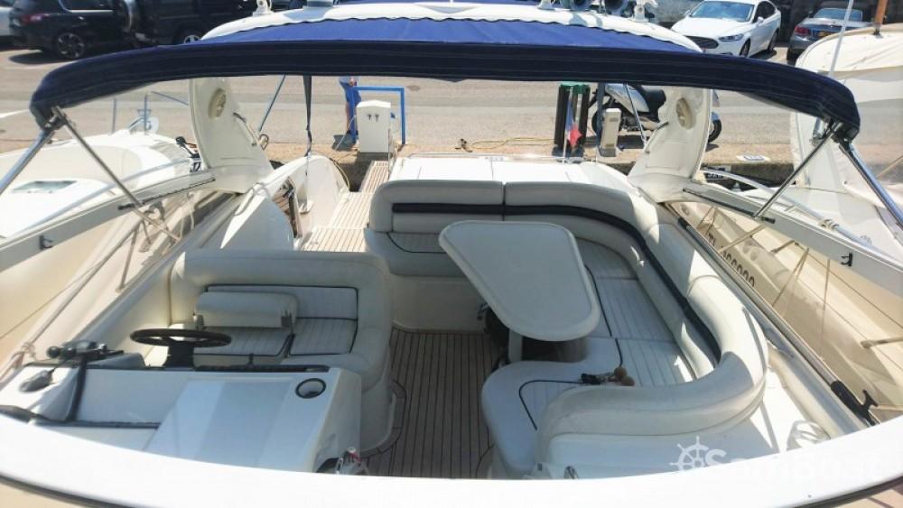 Louer Bateau à moteur avec ou sans skipper Princess à Sainte-Maxime