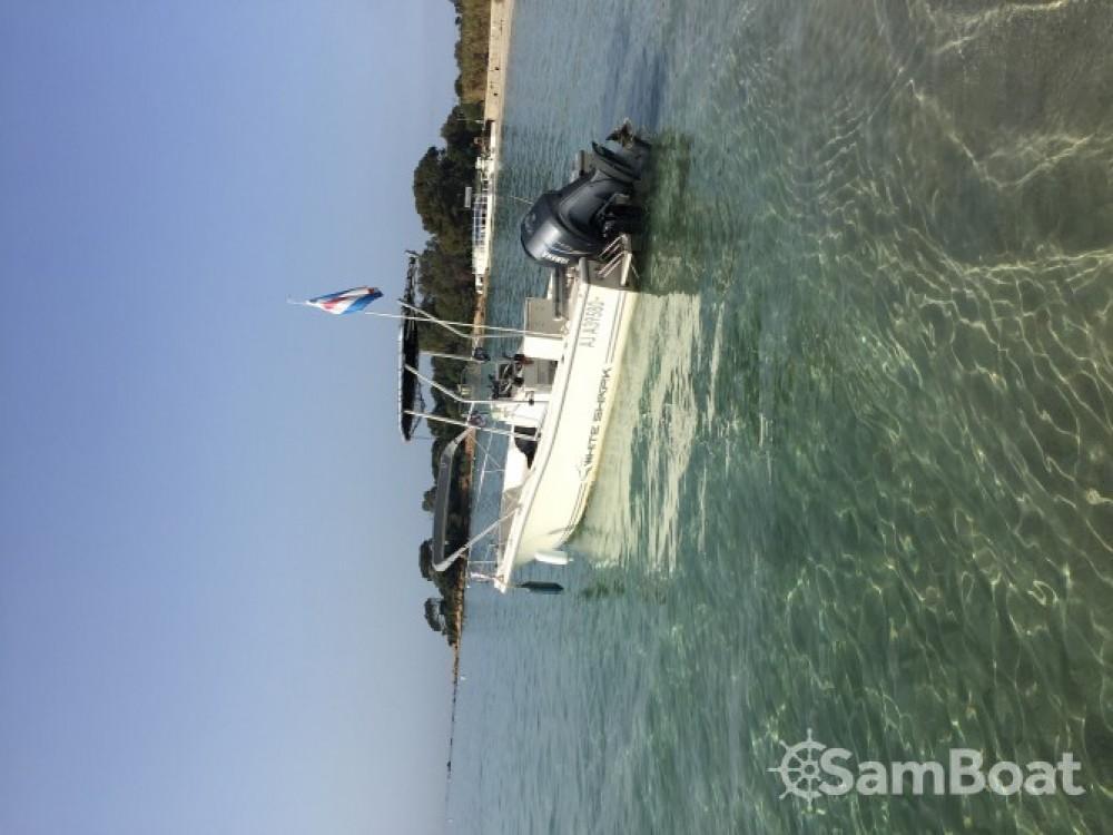 Noleggio barche Ajaccio economico White Shark 215