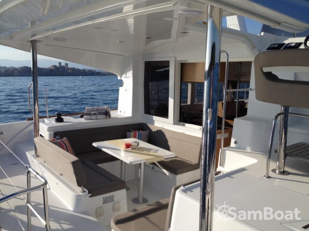 Lagoon Lagoon 40 Motor Yacht entre particuliers et professionnel à Cannes