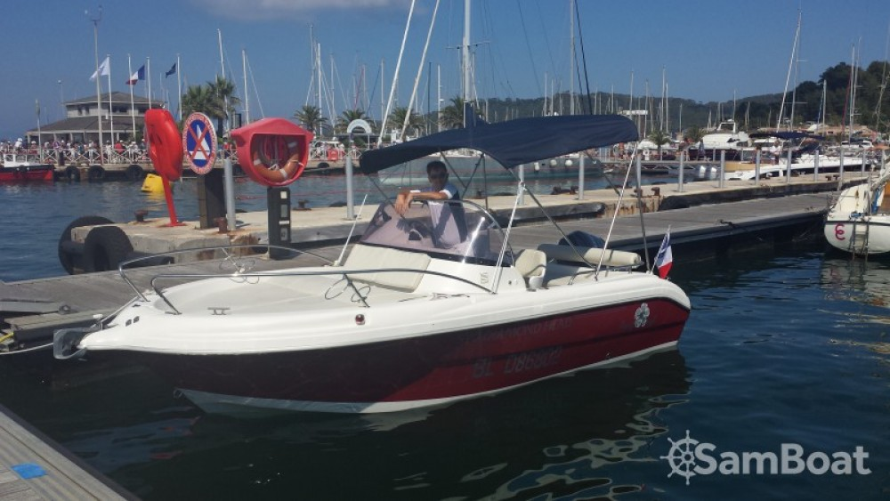 Huur een Pacific Craft Pacific craft 570 Diamond Head in La Ciotat