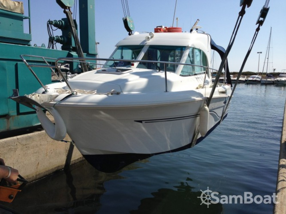 Motor boat for rent Saint-Cyprien at the best price