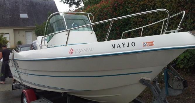 Location bateau Angers pas cher Cap Camarat 505