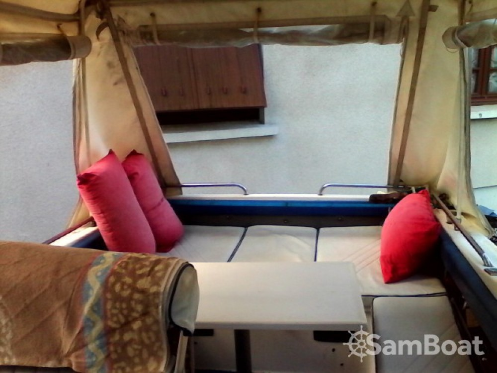 Motor boat for rent La Londe-les-Maures at the best price