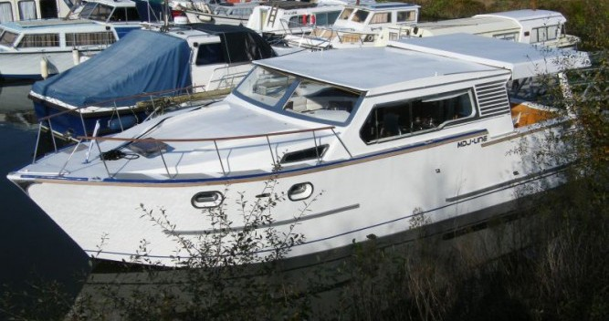 Tuckermann Houseboat entre particuliers et professionnel à Messac