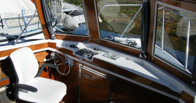 Houseboat for rent Messac at the best price