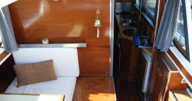 Rental Houseboat Tuckermann with a permit